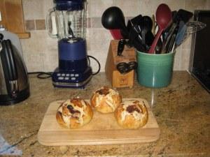 raisin breakfast buns